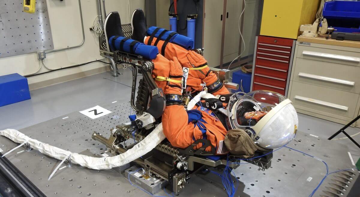 NASAは「アルテミス1」ミッションでオリオン宇宙船に搭載されるマネキンの命名コンテストを開催する(Credit: NASA)