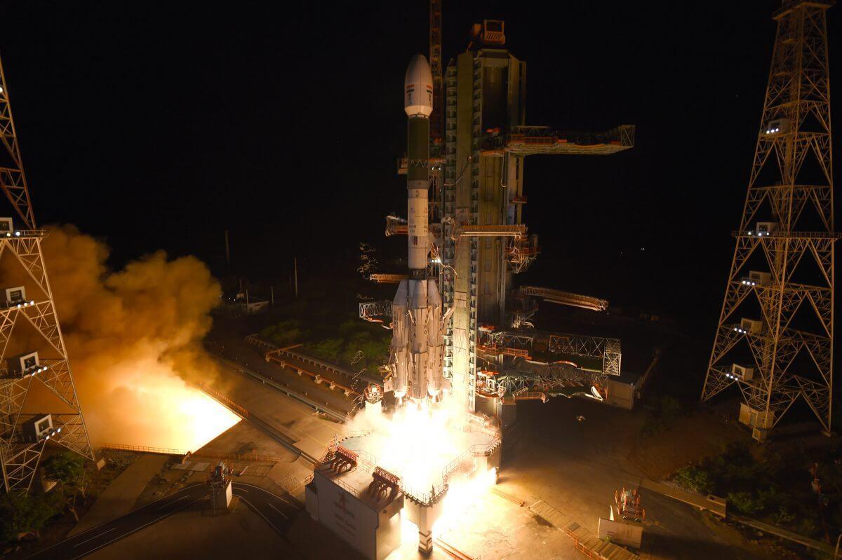 サティシュ・ダワン宇宙センターから打ち上げられるGSLVロケット10号機(Credit: ISRO)