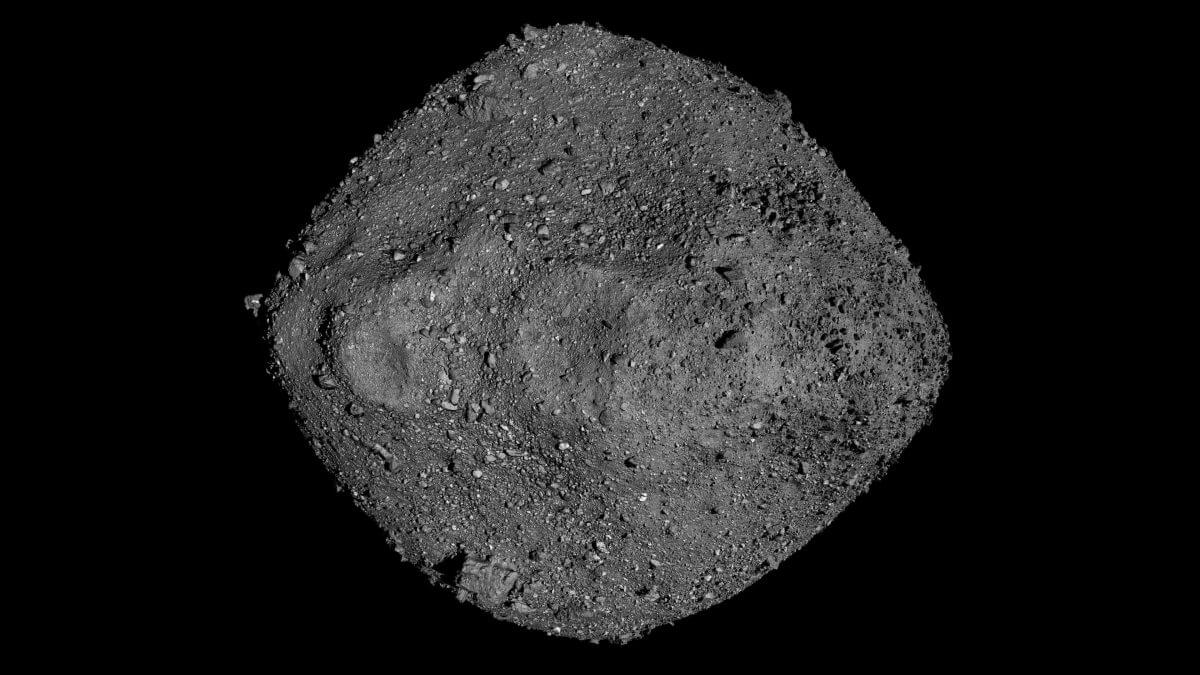 小惑星探査機「オシリス・レックス」の2年以上に渡る観測データをもとに作成された小惑星「ベンヌ」の全体像(Credit: NASA/Goddard/University of Arizona)