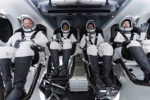 スペースX、初の民間人だけの宇宙飛行ミッション「Inspiration4」 360度見渡せるドームを宇宙船に設置