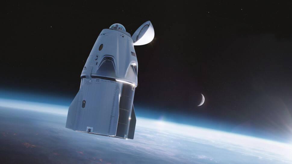宇宙船の上部に見えるのが360度見渡せるドーム(Credit: スペースX)