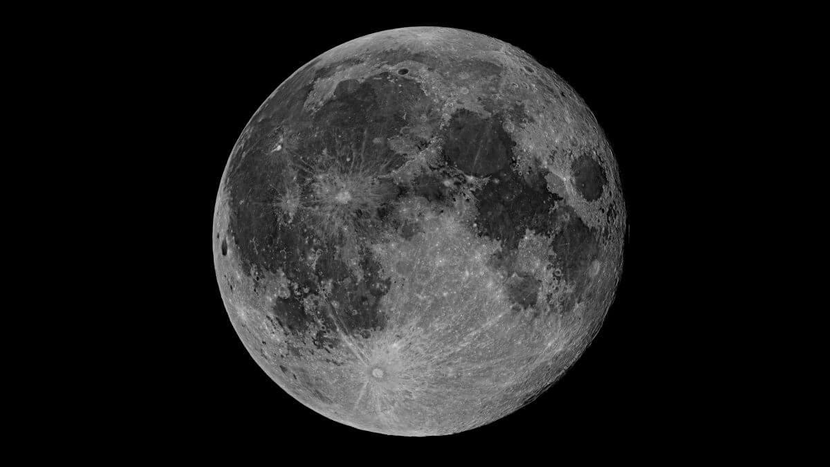 カナリア天体物理学研究所が公開している満月の画像(Credit: A. Rosenberg / D. López (IAC))
