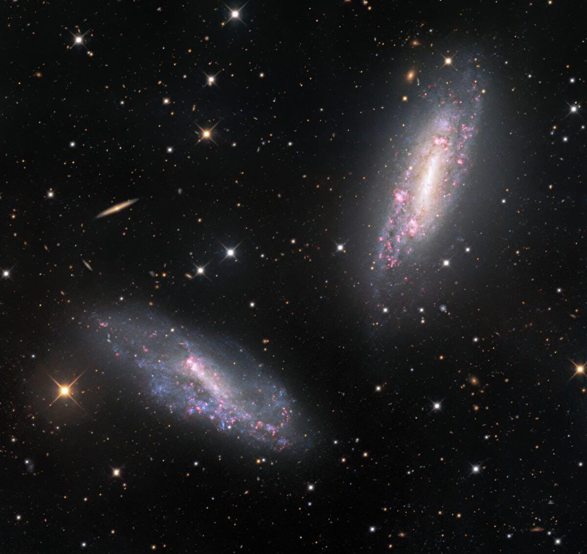 相互作用する銀河「NGC 672」(右上)と「IC 1727」(左下)(Credit: KPNO/NOIRLab/NSF/AURA)