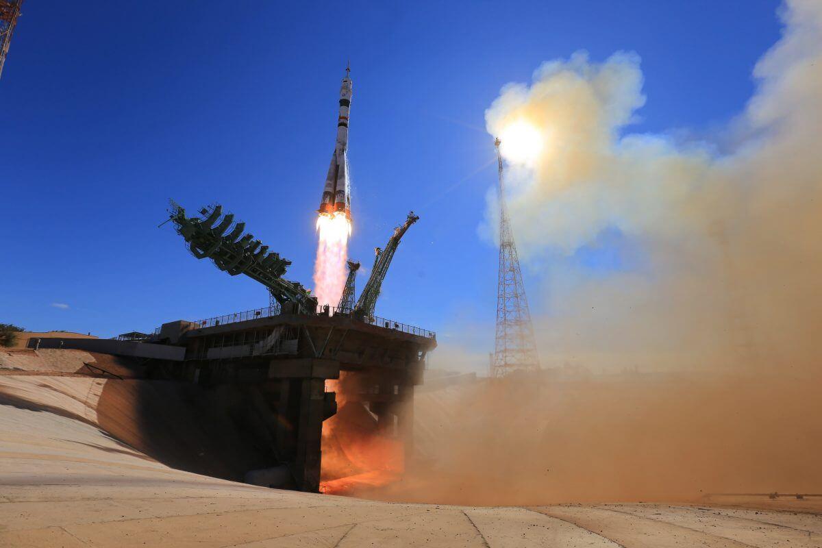 発射台を離れる「ソユーズ2.1a」ロケット(Credit: Yuzhny Space Center/Roscosmos)